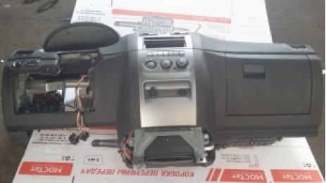 Панель приборов на УАЗ Патриот.